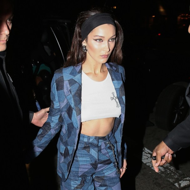 West Hollywood, CA  - Bella Hadid is spotted arriving in style to the Dior Addict Lacquer Pump Launch party at hotspot Poppy in West Hollywood.Pictured: Bella HadidBACKGRID USA 14 MARCH 2018 BYLINE MUST READ: Byrdman / BACKGRIDUSA: +1 310  (Foto: Byrdman / BACKGRID)