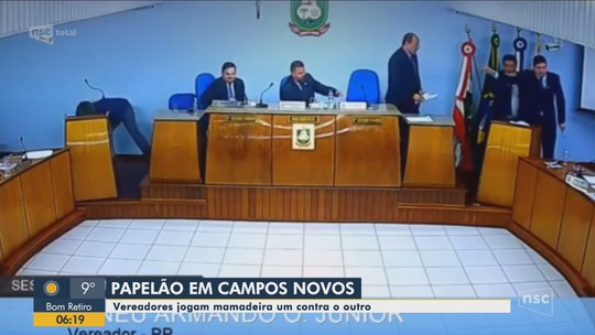 Vereadores jogam mamadeira um contra o outro durante discussão na Câmara de Campos Novos; VÍDEO