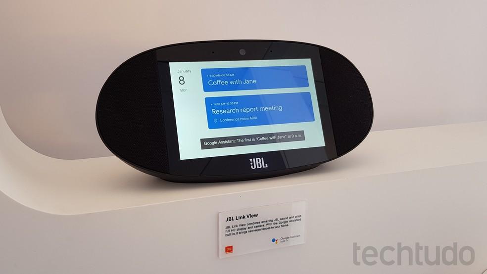 Link View emprega tecnologia de áudio da JBL e mostra compromissos do dia em tela com resolução Full HD (Foto: Thássius Veloso / TechTudo)