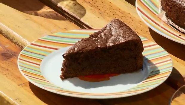 Aprenda a fazer bolo de chocolate vegano