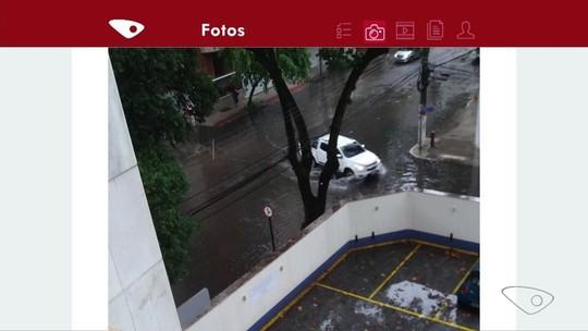 Chuva alaga ruas e para o trânsito na Grande Vitória; veja os impactos