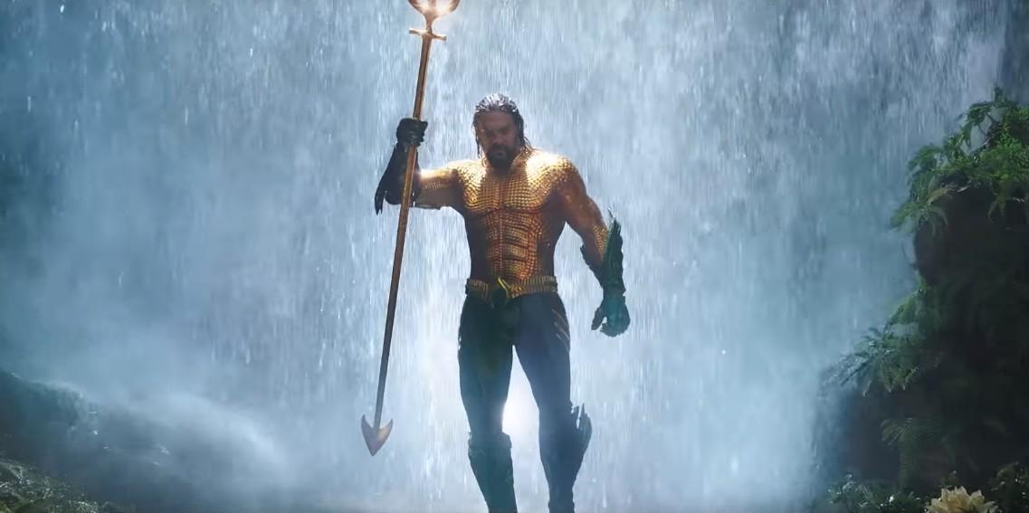 Jason Momoa como Arthur Curry em Aquaman, que estreia no dia 13 de dezembro (Foto: Reprodução/Youtube)