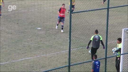 Luis Fabiano treina com elenco, mas não enfrenta o Cruzeiro