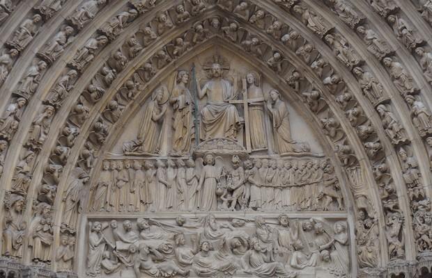 Obra-prima da arquitetura gótica, Catedral de Notre-Dame foi palco de eventos históricos (Foto: Reprodução)