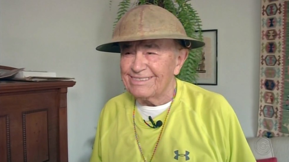 idoso de 100 anos de idade é inspiração para moradores — Foto: Reprodução/TV TEM