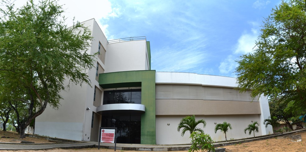 Sede do Núcleos de Práticas Jurídicas da UFRN em Natal — Foto: Jeferson Rocha