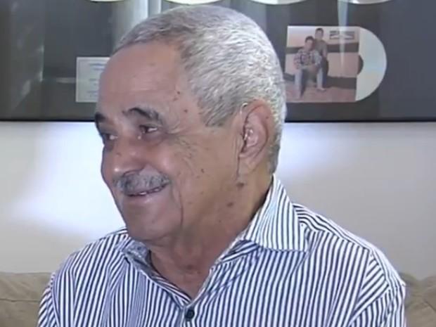 Francisco Camargo, pai de Zezé, afirma que vai garantir vitória da Imperatriz (Foto: Reprodução/TV Anhanguera)