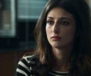 Anaju Dorigon é Camila em 'Órfãos da terra' | Reprodução