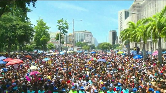 Sábado de carnaval no Rio: 75 blocos e multidões nas ruas