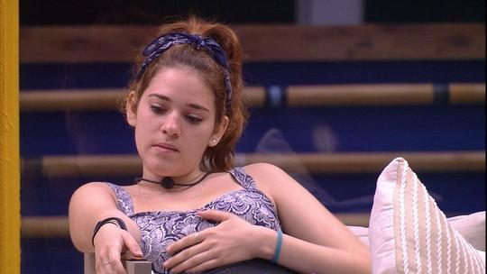 Ana Clara pergunta para Ayrton: 'Você tá com vontade de ir embora?'
