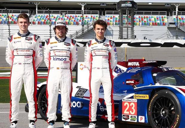 Time de pilotos da McLaren inclui bicampeão Fernando Alonso (meio). Carros da empresa contarão com produtos oferecidos pela Petrobras (Foto: Reprodução/Facebook/McLaren)