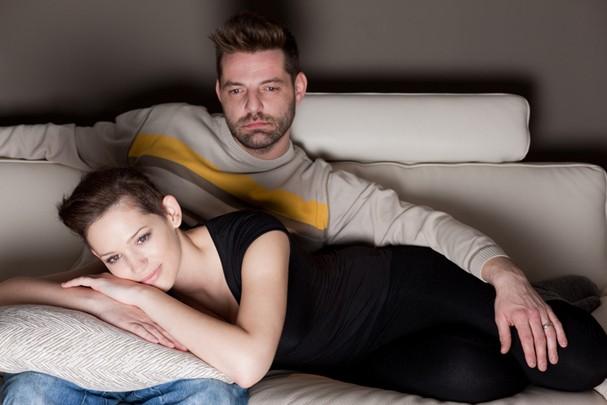 Ver TV faz bem pro seu relacionamento (Foto: ThinkStock)
