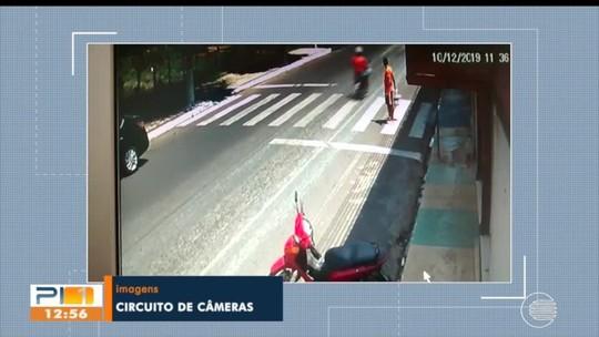 Condutor ignora faixa de pedestres e homem quase é atropelado em Teresina