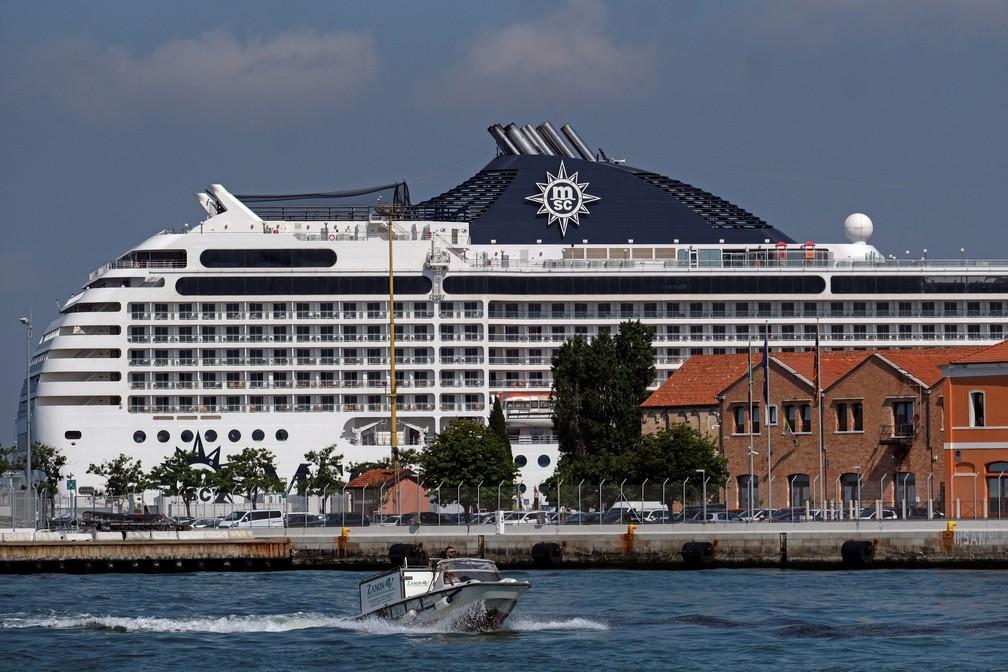 Presença de cruzeiros em Veneza volta a trazer polêmicas sobre a preservação da cidade alagada. Foto de 3 de junho de 2021. — Foto: Manuel Silvestri/Reuters