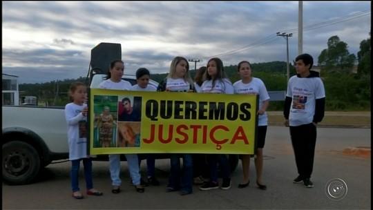 Moradores protestam pedindo duplicação em rodovia de Itapeva