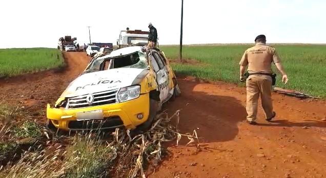 Policial fica ferido após capotar carro em estrada rural de Peabiru - Notícias - Plantão Diário