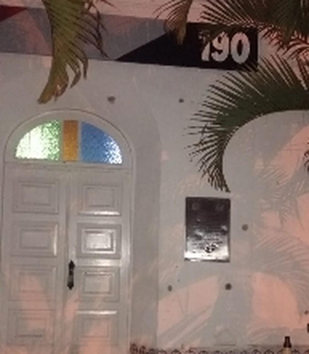 Criminosos explodem três bancos e atacam base da PM em São Bento do Sapucaí — Foto: Vanguarda Repórter