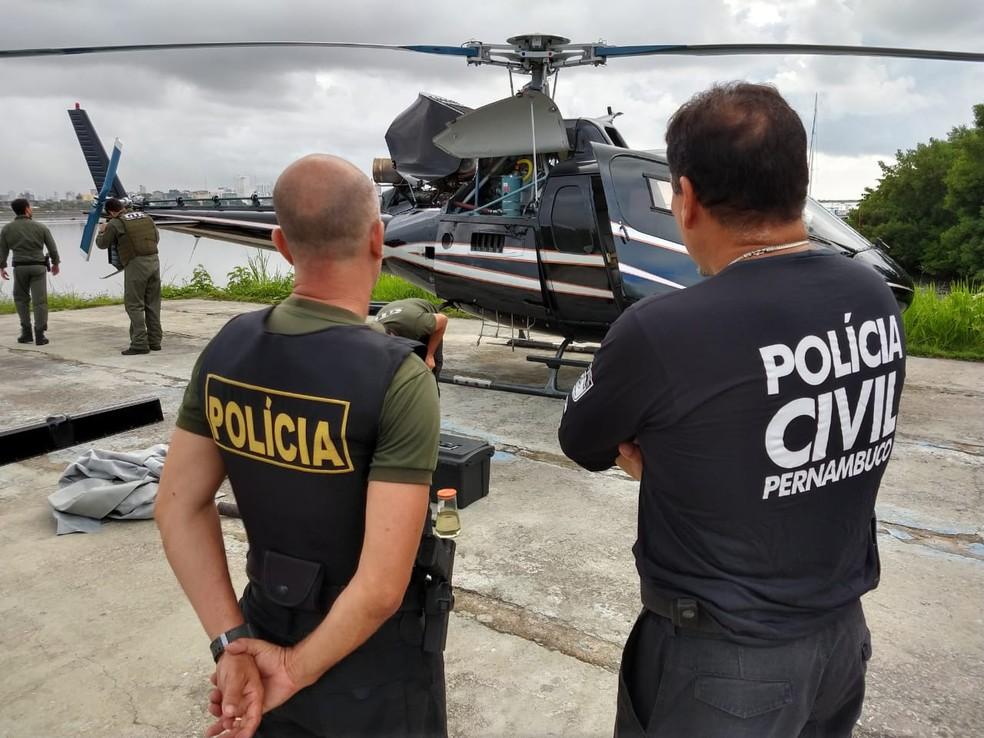 Helicóptero foi apreendido pela Polícia Civil na quinta-feira (30), na segunda fase da Operação Mar Aberto â?? Foto: Polícia Civil/Divulgação