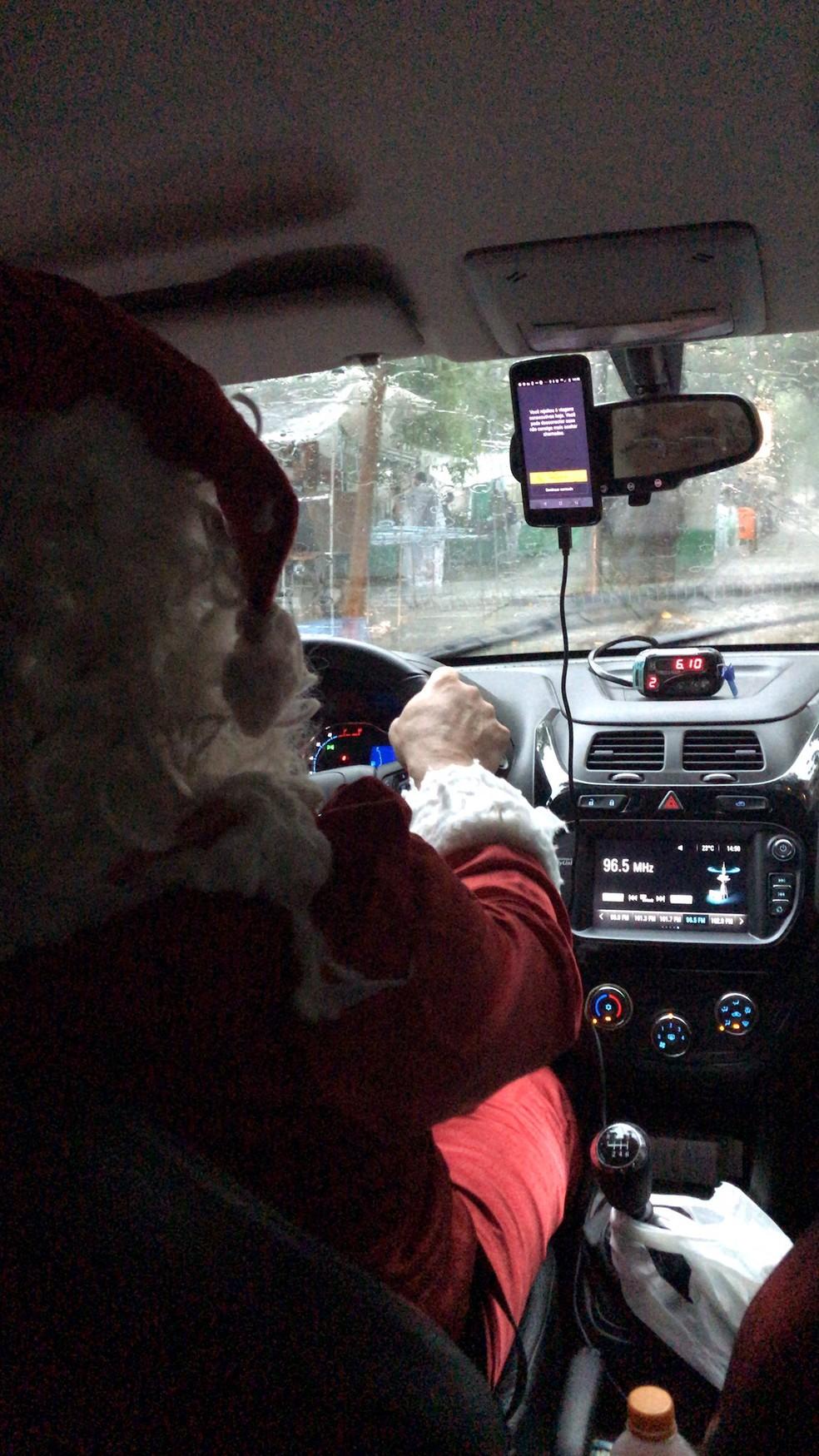 Papai Noel que 'resgatou' família de temporal em shopping no Rio — Foto: Arquivo pessoal