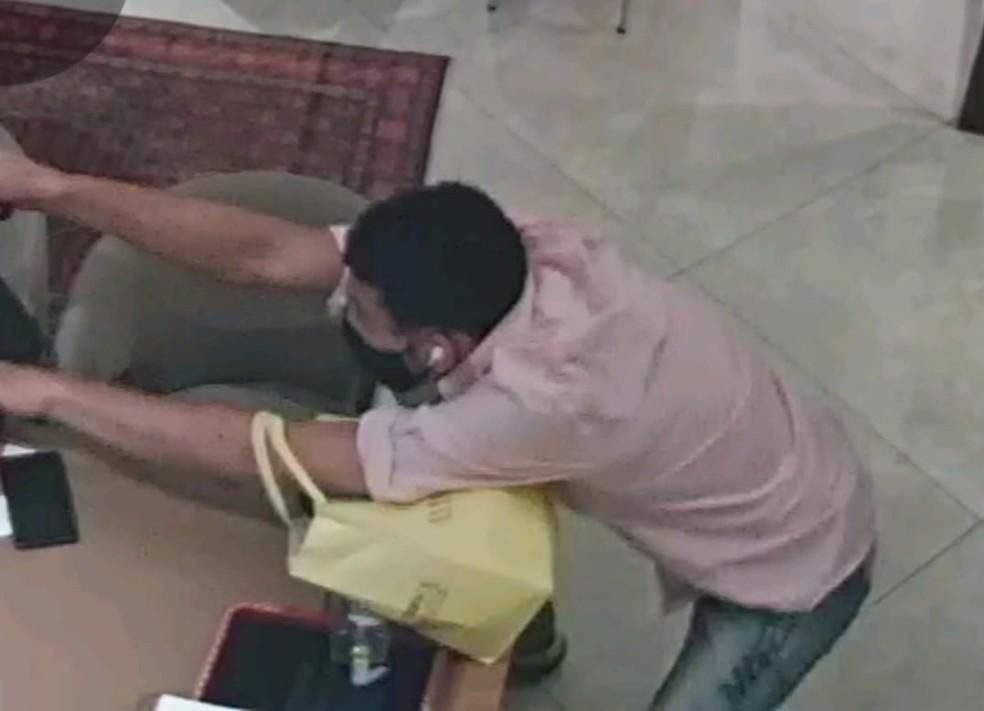 Polícia divulga imagens dos suspeitos de terem participado da morte de vendedora em shopping de Fortaleza. — Foto: Divulgação/SSPDS
