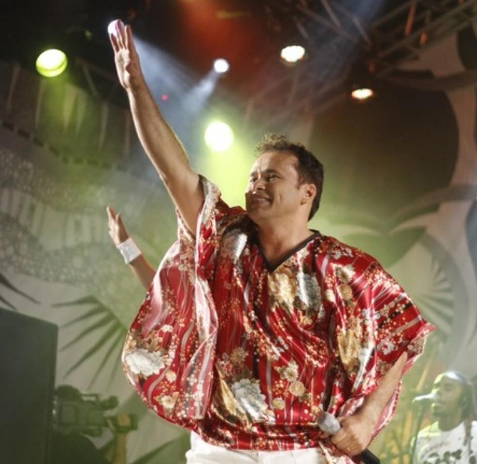 Almir Rouche faz show na Arena de Pernambuco (Foto: Flávio Alves / Divulgação)