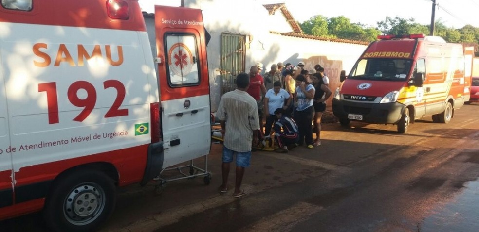 Acidente aconteceu na porta de escola (Foto: Portal O Norte/Divulgação)