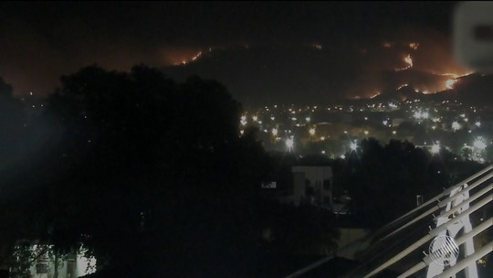 Incêndio atinge Serra da Bandeira, em Barreiras, e áreas perto de aeroporto e da BR-242