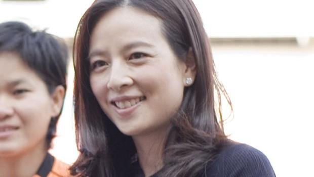 """Nualphan Lamsam, a """"Madame Pang"""", CEO que mudou a história do futebol feminino na Tailândia (Foto: Reprodução/Wikimedia Commons)"""