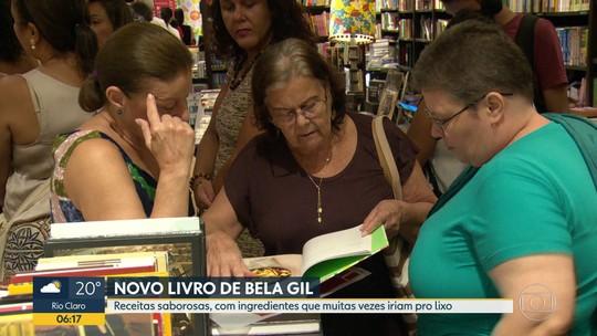 Bela Gil lança novo livro, em shopping na Zona Sul do Rio