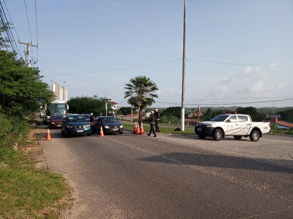 Blitz foi realizada na tarde deste domingo (18) em Pium, no litoral Sul da Grande Natal — Foto: PMRN/Divulgação