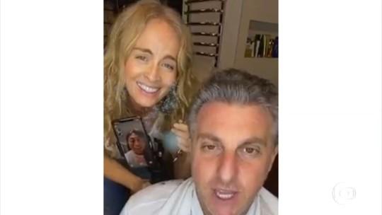 'Caldeirão do Huck' reproduz o meme da 'Cabeleleila Leila' com Luciano Huck e Angélica