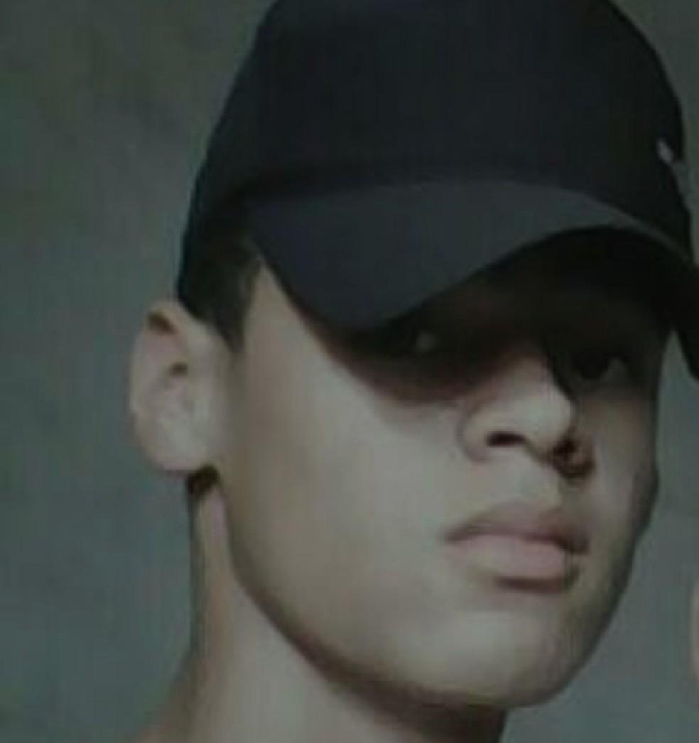 Bruno Almeida da Silva de 15 anos foi morto com um tiro na cabeça (Foto: Polícia Civil/Divulgação)