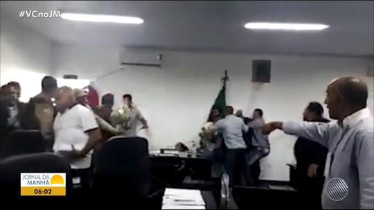 Após pancadaria durante sessão na Câmara, seis vereadores têm mandatos cassados no oeste da Bahia