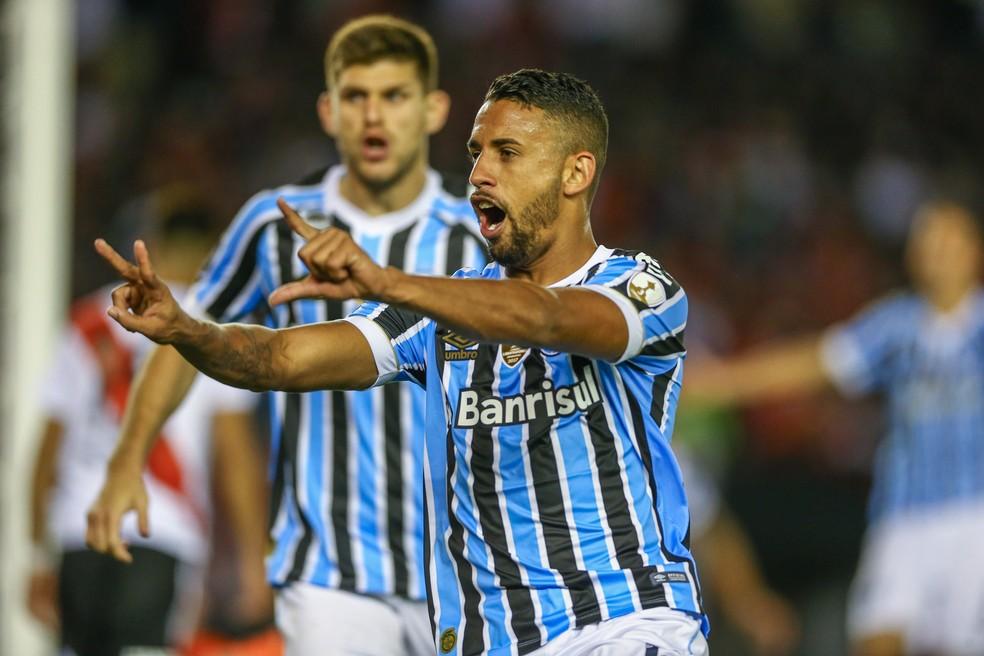 """Michel dedica gol a primo que """"profetizou"""" lance — Foto: Lucas Uebel/Grêmio/Divulgação"""