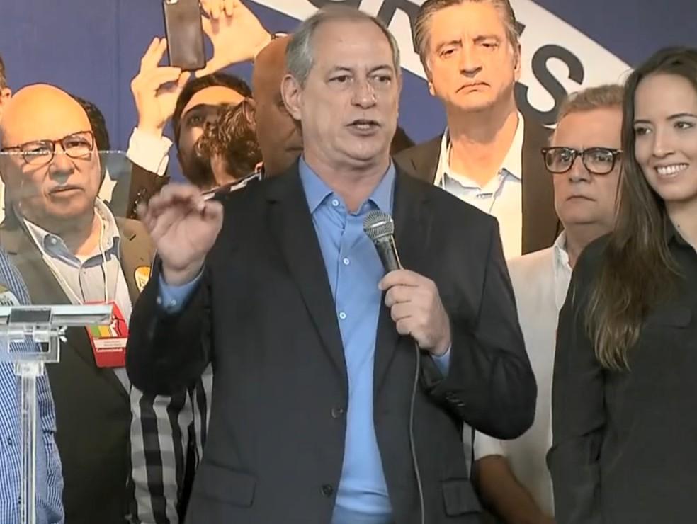 Ciro Gomes discursa em convenção do PDT (Foto: Reprodução/TV Globo)