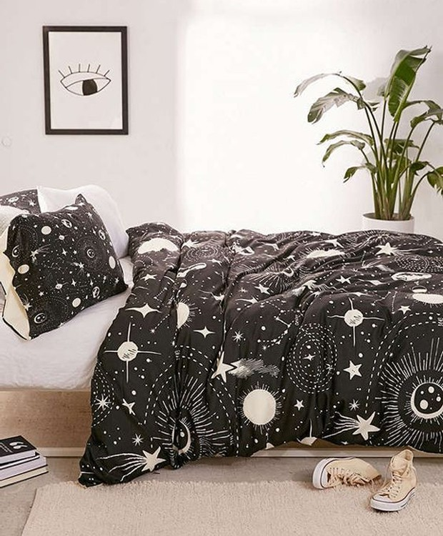 Roupa de cama com estampa astrológica (Foto: Pinterest/ Reprodução)