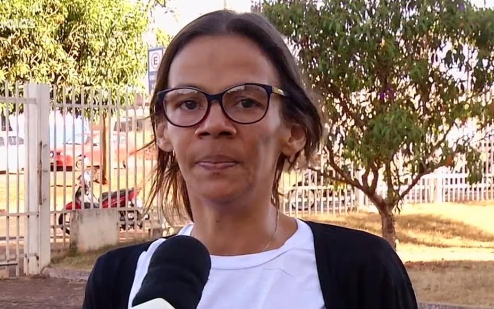 Mãe de porteiro Guilherme Alves Pereira, de 23 anos, Simone Alves da Silva Pereira crê que a Justiça será feita — Foto: Reprodução/TV Anhanguera