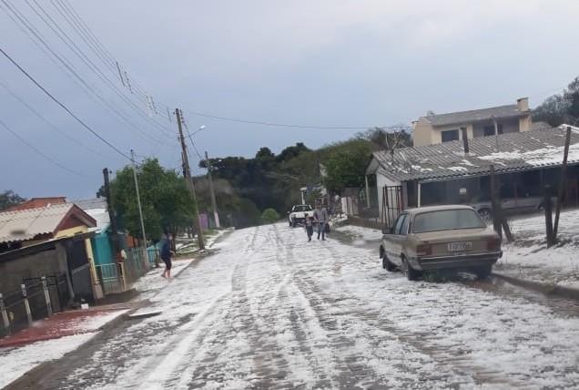 'De apavorar', diz morador sobre granizo que atingiu cerca de 4 mil casas em Lagoa Vermelha - Notícias - Plantão Diário