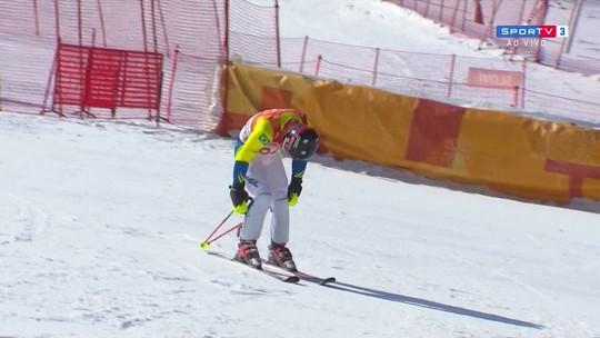 Brasileiro Michel Macedo não completa prova do esqui alpino slalom e é desclassificado