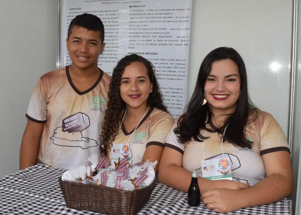 Estudantes são do Centro Estadual de Educação Profissional em Saúde Tancredo Neves (Ceeps).  — Foto: Secretaria Estadual de Ciência, Tecnologia e Inovação (Secti) / Divulgação