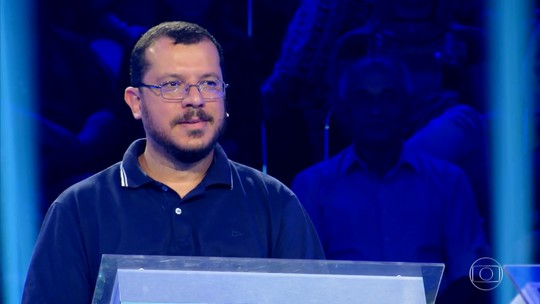 Historiador que ganhou R$ 100 mil no 'Milionário' comenta reação dos alunos: 'Meu professor é uma celebridade'