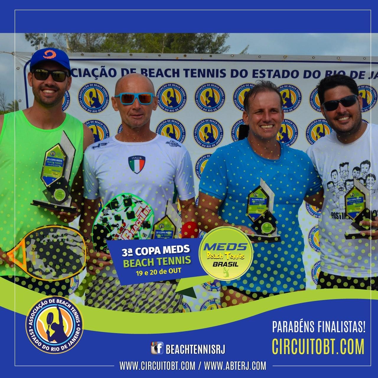 Da esquerda para a direita, campeões e vices da A:  Leonardo Pereira, Gian Luca Padovan,  Alexandre Todeschini e Francisco Souza