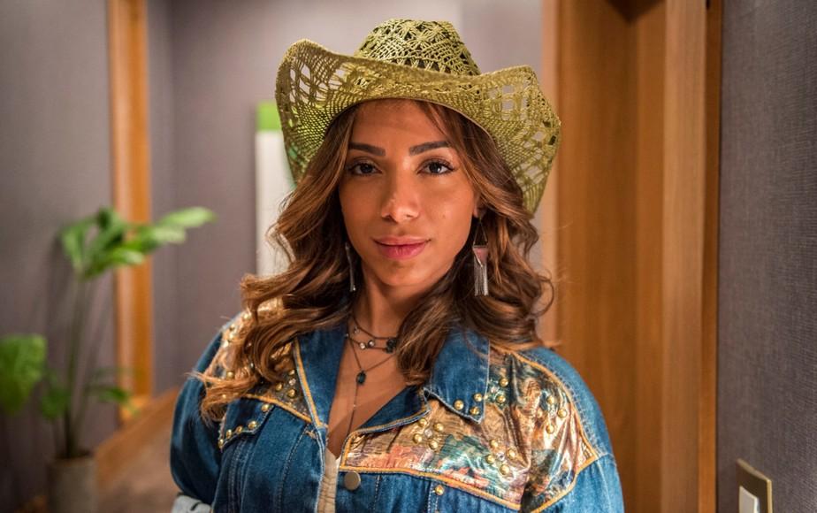 Anitta exibe look de Sabrina, sua personagem em 'Amor de Mãe' | Amor de Mãe | Gshow