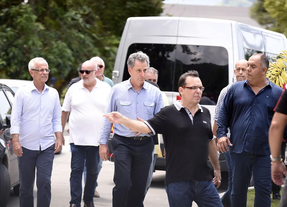 Presidente Rodolfo Landim se manifestou no Ninho do Urubu — Foto: André Durão
