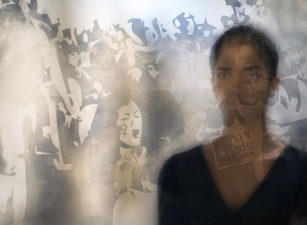 Sobre o que nos concerne, 2016. Espelhos artesanais com imagens fixadas através da técnica de oxidação e envelhecimento da prata (Foto: Reprodução/Camilacordeiro)