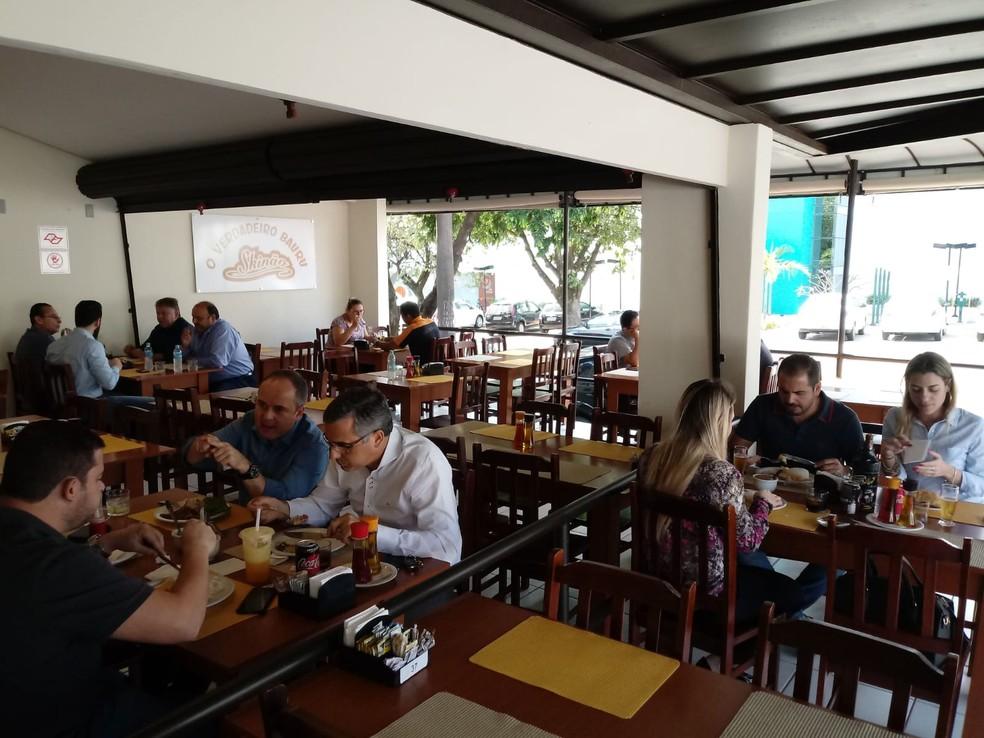 """Sanduíche bauru continua sendo o mais pedido no """"Skinão"""" por turistas que visitam à cidade  — Foto: Skinão/Divulgação"""