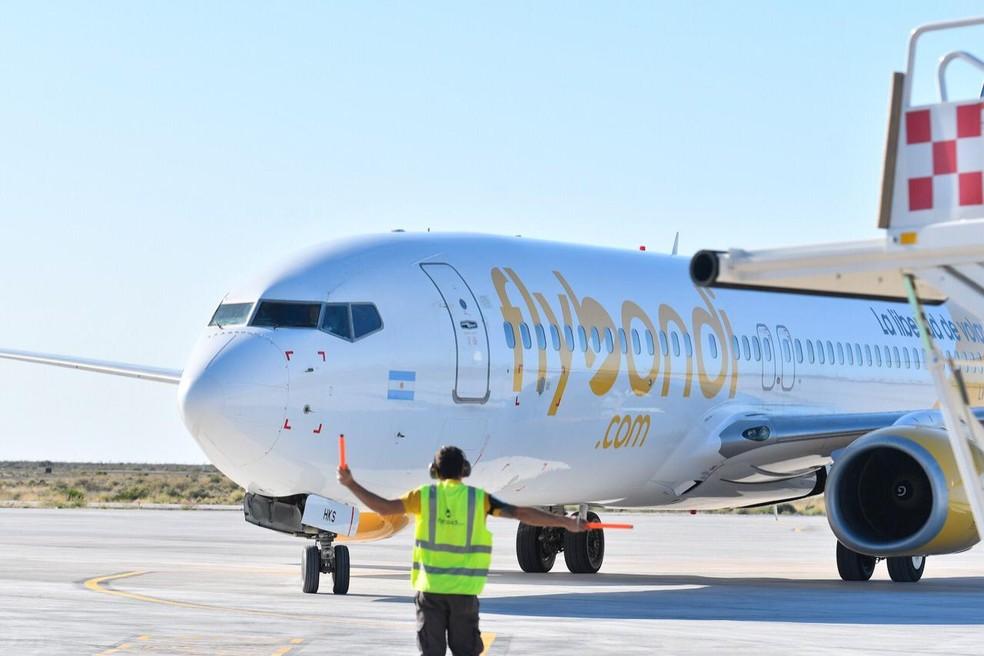 Avião da companhia aérea low cost FlyBondi, da Argentina — Foto: Divulgação