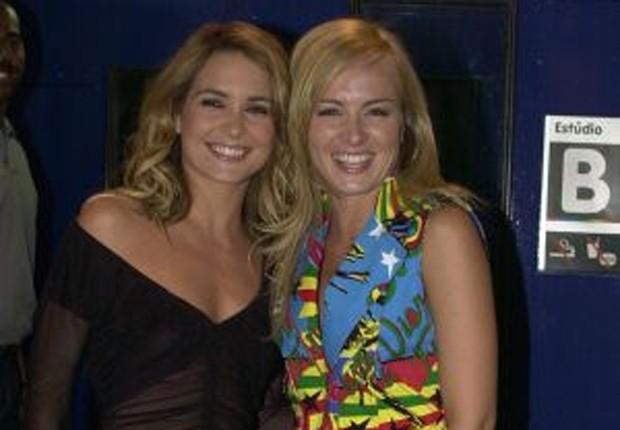 Cláudia Abreu e Angélica em cena de 'Celebridade' (Foto: Reprodução/Instagram)