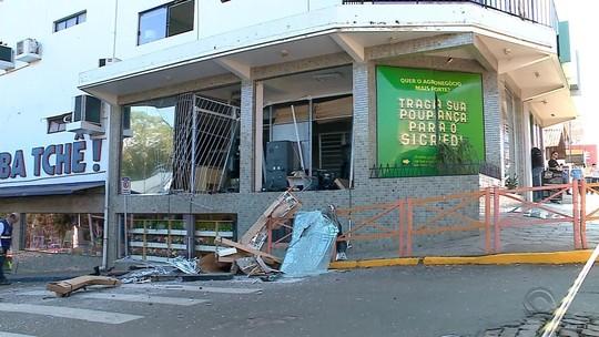 Agência bancária é arrombada com uso de explosivos em Bom Retiro do Sul