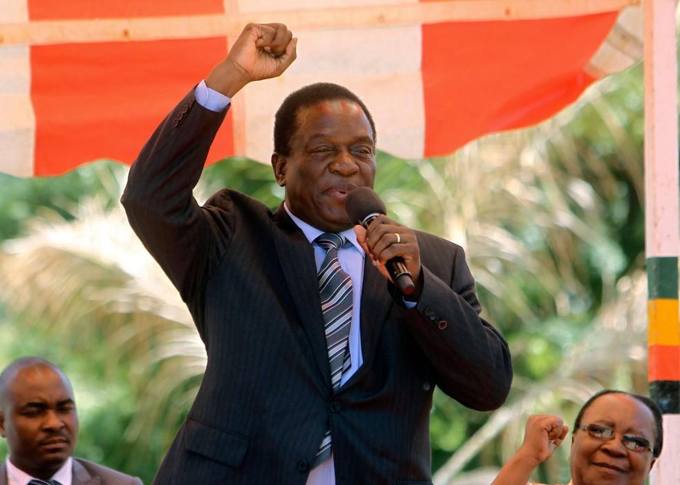 Foto de 10 de fevereiro mostra o ex-vice-presidente do Zimbábue Emmerson Mnangagwa  (Foto: Tsvangirayi Mukwazhi, Fil/ AP)